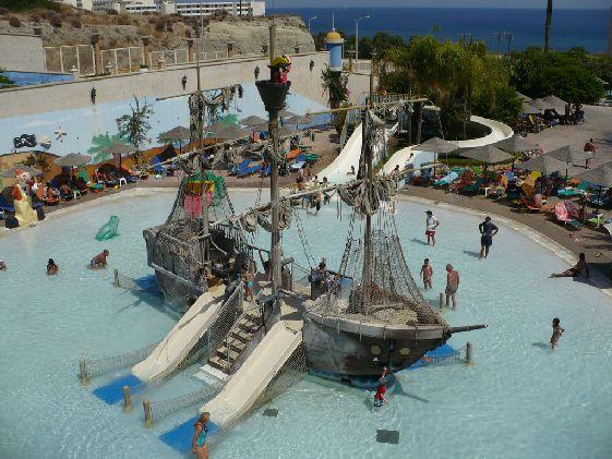 Окунуться в настоящие пиратские приключения здесь могут лишь дети