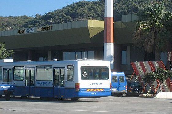 Из аэропорта Родоса можно добраться практически до любого населенного пункта, правда с пересадкой с столице