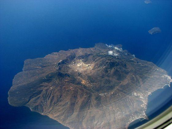 На Родос летают самолёте с соседних греческих островов, билет стоит не дорого
